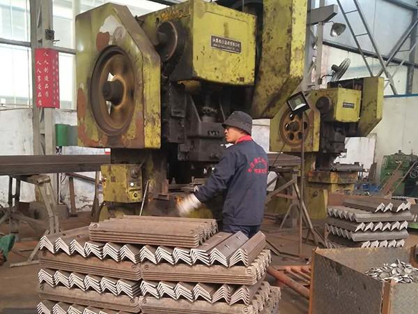 大诚机械:生产重点环节