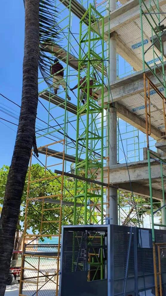 河南大诚机械定制物料提升机助力海外建设-伯利兹旅游酒店项目